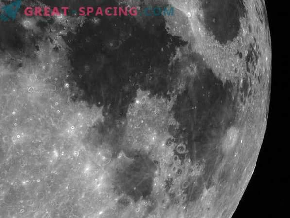 O que são mares lunares e havia água neles