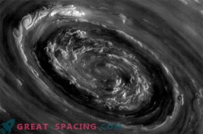 Tempestades de Saturno podem ser causadas por grandes ciclones polares