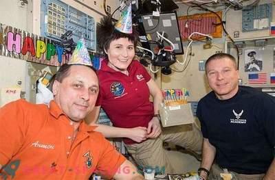 A tripulação da ISS permanecerá em órbita até que os russos encontrem o míssil